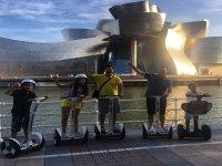 Familia en segway en Bilbao