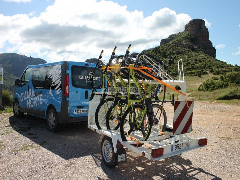 Transportando nuestras bicis hasta el punto de salida
