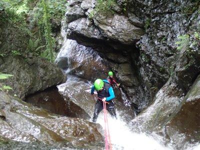Descend of the Sintxita canyon in Orozco