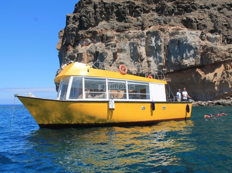 Nuestra inconfundible embarcacion