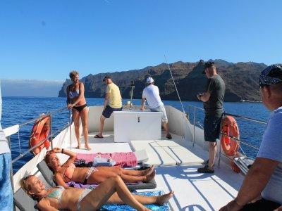 Paseo en barco aperitivo y snorkel Las Palmas 3h