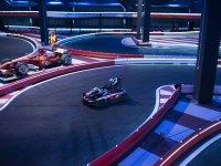 Carrera rápida karting en Burjassot pista indoor