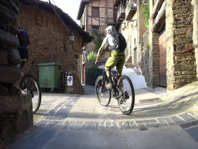 Discover the Villuercas by electric mountain bike
