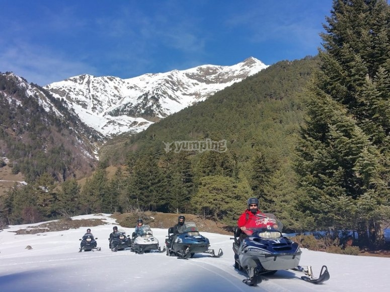 Travesia en motos de nieve