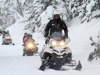Circulando en moto de nieve