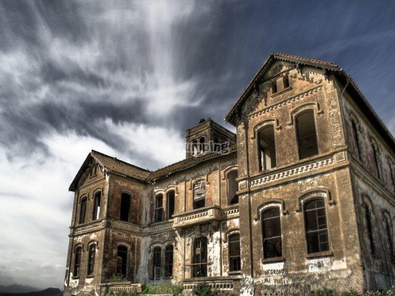 Una casa llena de misterios