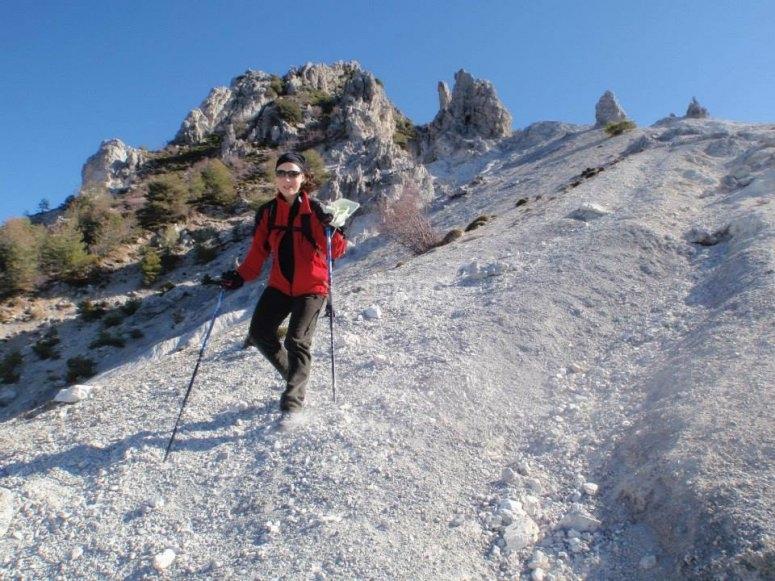 Descendiendo por los terrenos nevados de Granada