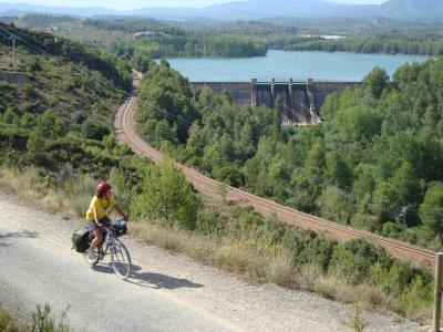 Excursión en bici por Vía Verde de Ojos Negros
