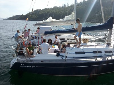 Travel in Rías Baixas on sailboat 4 hours