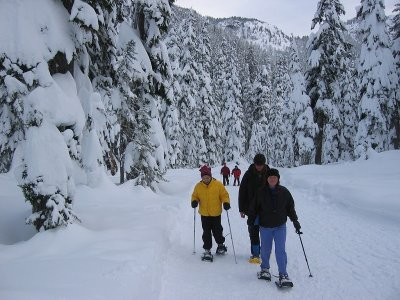 Snowshoes expedition and 2 nights at a refuge