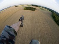 一个人的腿aventurocio标志动力伞飞行空中