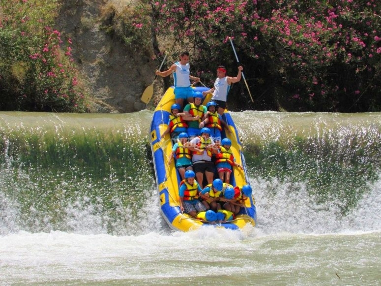 Give your friends a surprise with this rafting descent