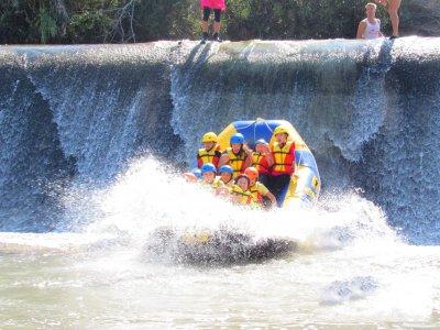 Rafting niños con comida y bebida río Segura