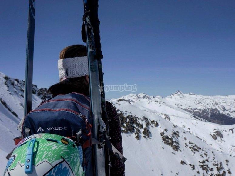 Mirando las pistas nevadas