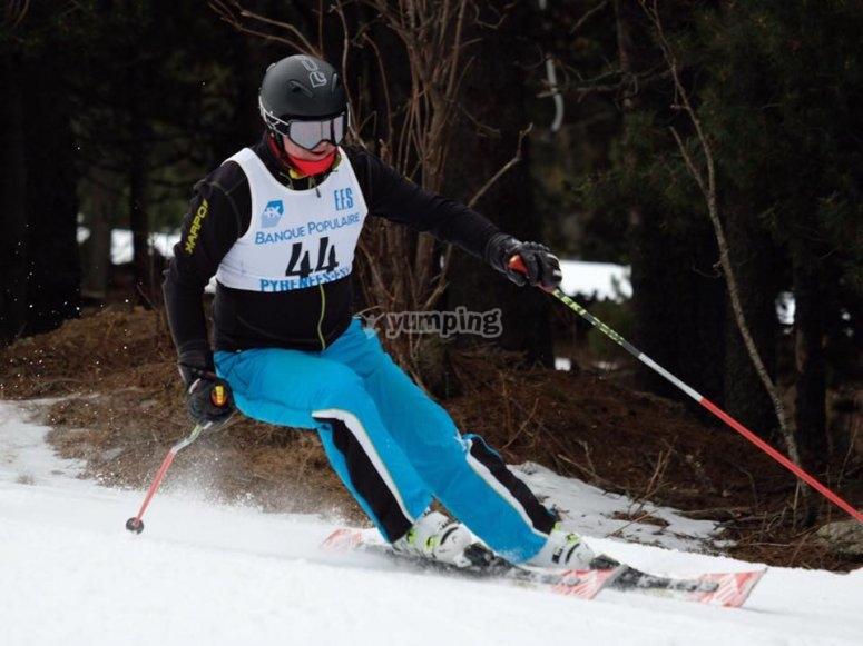 Esquia con un profesor particular