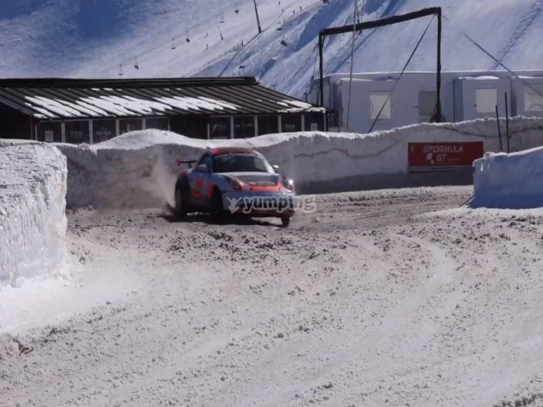 Taking the snowy curve with the Porsche