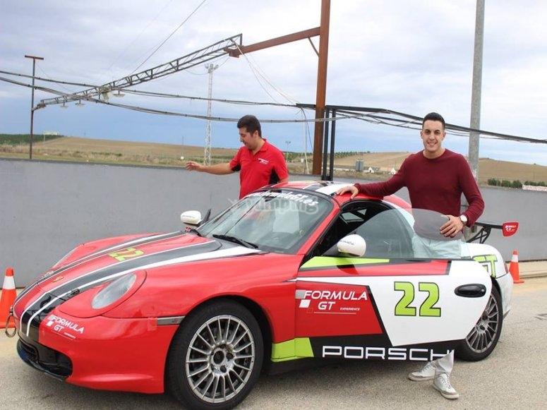 Conduce un Porsche dentro de circuito