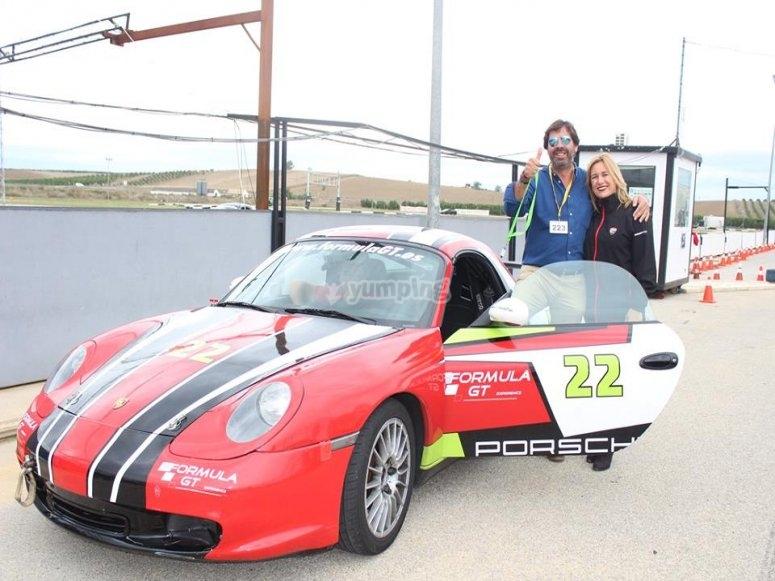 Regala experiencia de conduccion de Porsche