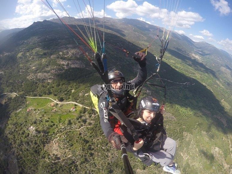 Volando en alta montana