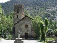 Iglesias en medio de la montana