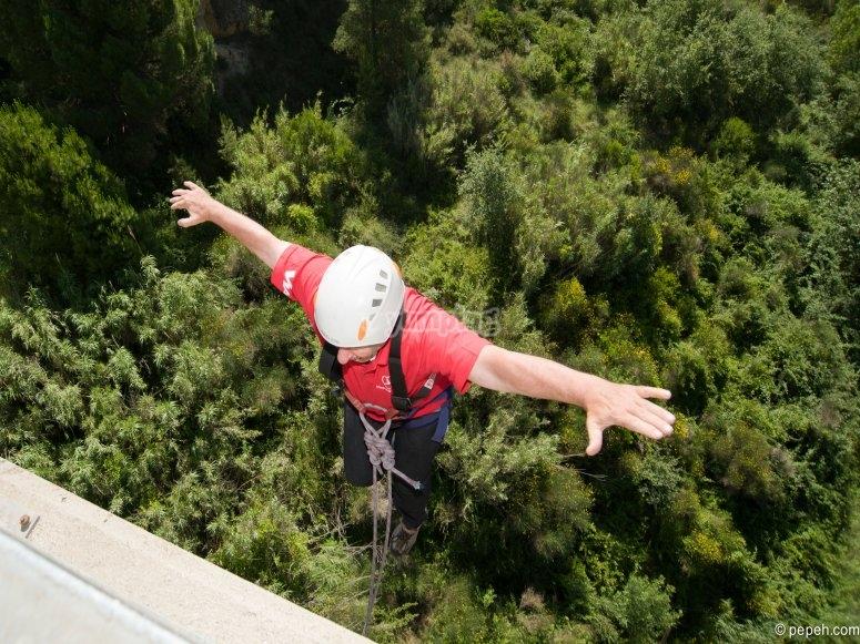 Bungee jumping in Sant Sadumi