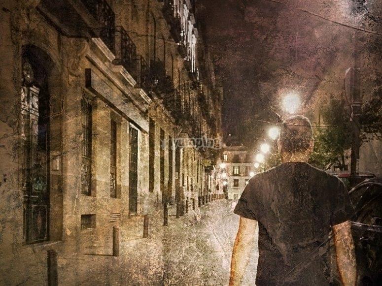 Caminando por calles oscuras