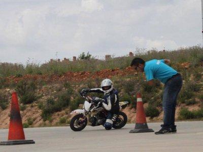 Curso de conducción precarnet de moto en Algete