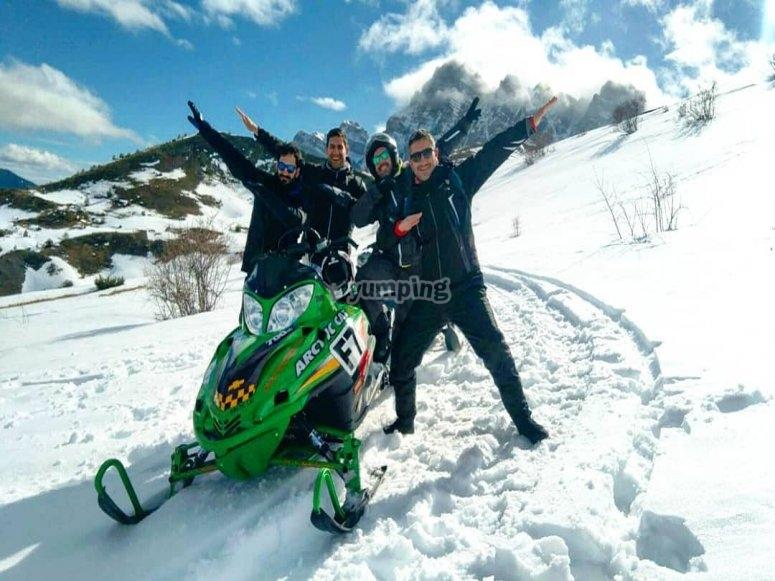 Actividad en moto de nieve