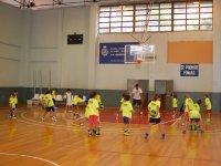Entrenamiento con el balon de baloncesto