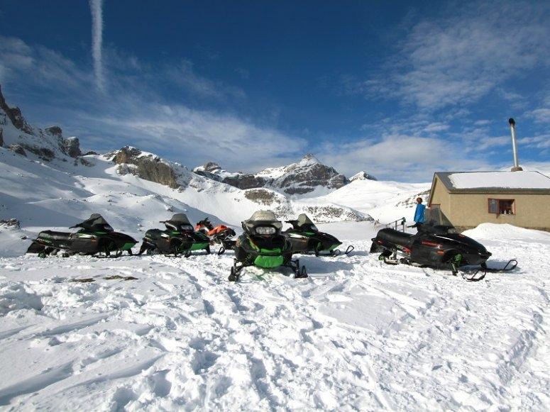 Ruta en motos de nieve