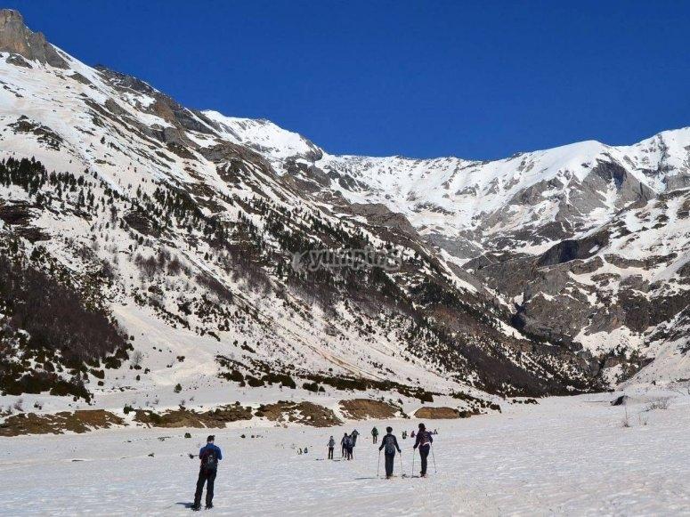 Salida con raquetas de nieve en Formigal