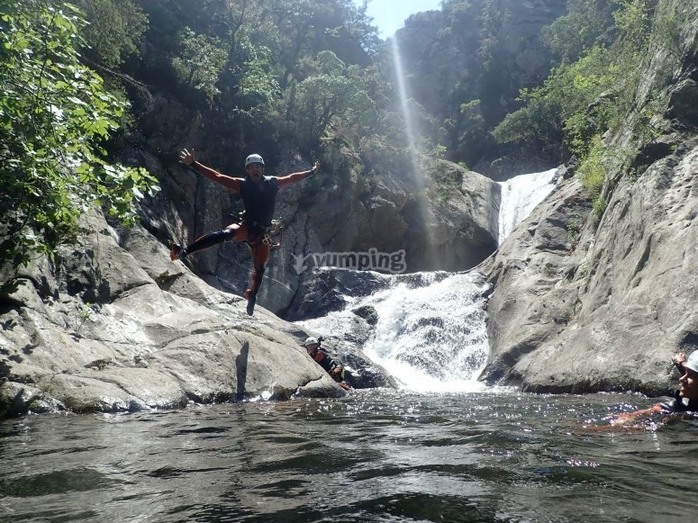 峡谷成因-恩斯特-瓦尔瀑布