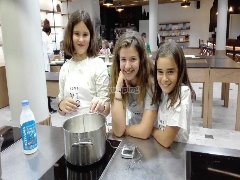 I nostri giovani chef in una classe