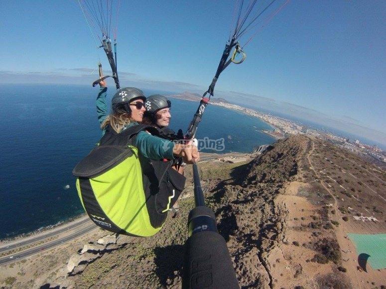 Disfrutando del parapente en Canarias
