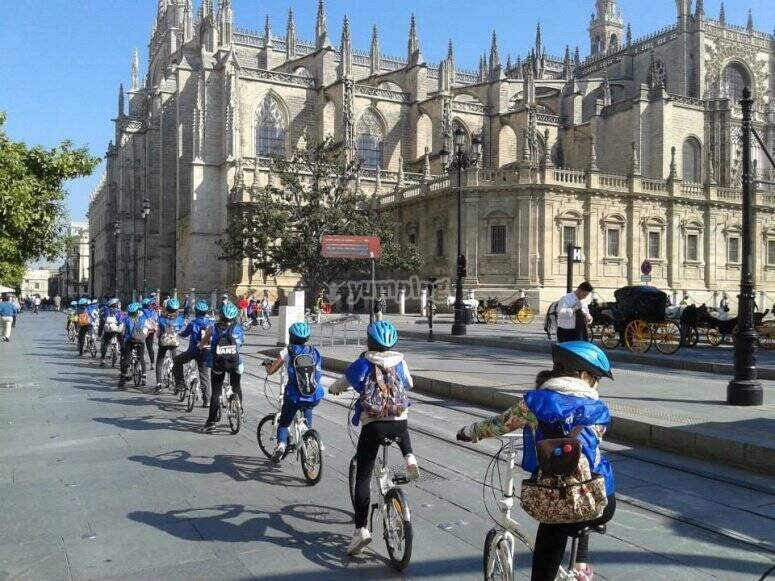 Paseando por Sevilla en bicicleta