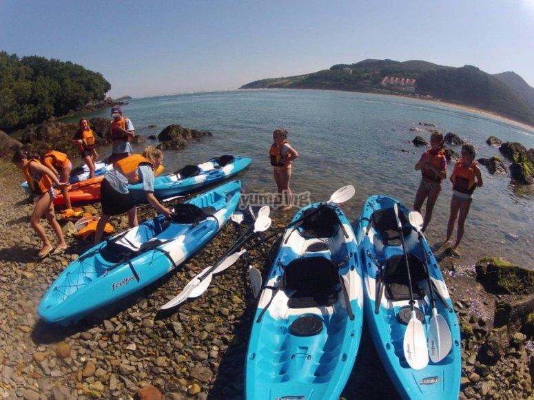 kayaks teambulding