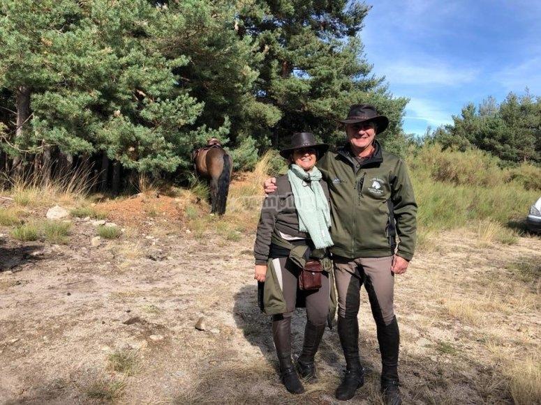 Jinete y amazona en Piedralaves