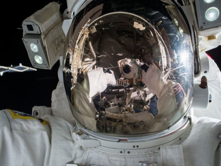 Astronaut during the repairs of the spaceship