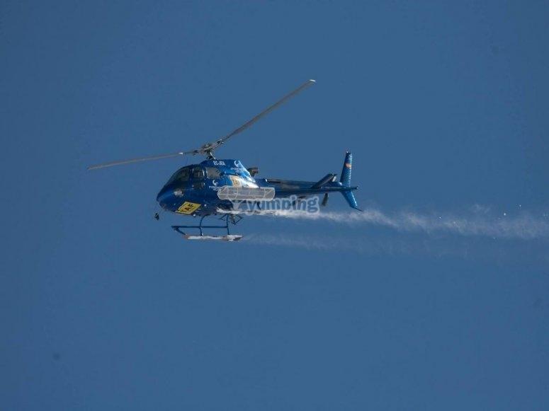 Helicoptero en vuelo en Lleida
