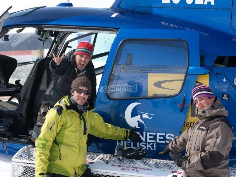 Pasajeros del helicoptero en Val dAran