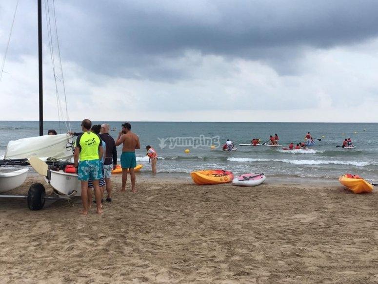 Los kayaks en playa Cap Blanc