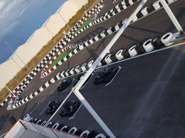 Automobili sulla linea di partenza