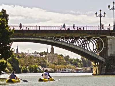 2h kayak tour in Guadalquivir river in Sevilla