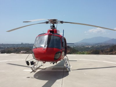 1h Helicopter Experience in Madrid