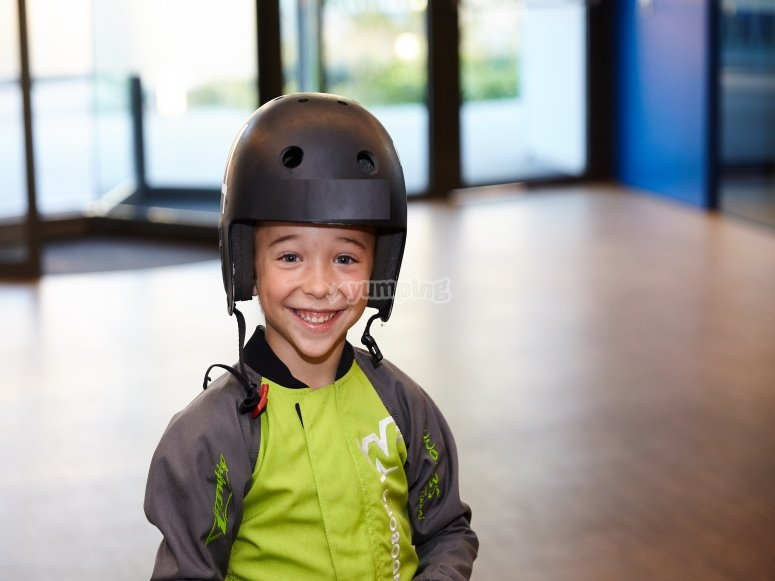 Child flying in the wind tunnel