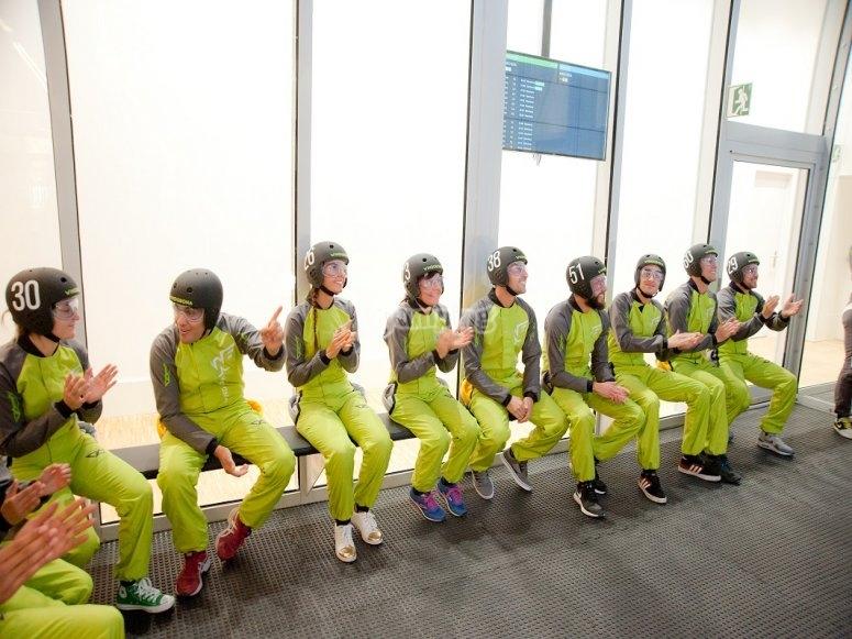Grupo esperando para volar