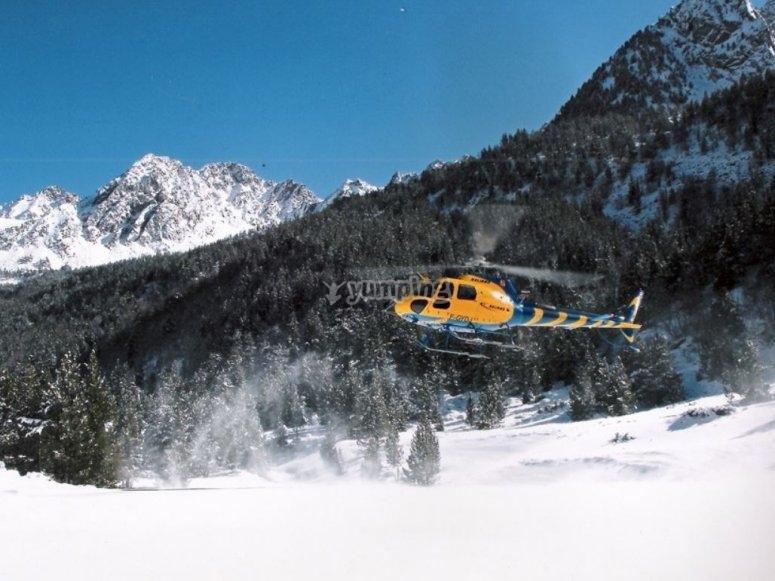 Atterraggio in elicottero in Andorra