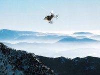 Elicottero che sorvola Andorra