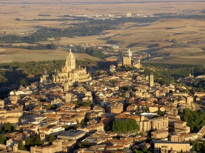 Small aircraft flight Segovia and El Escorial