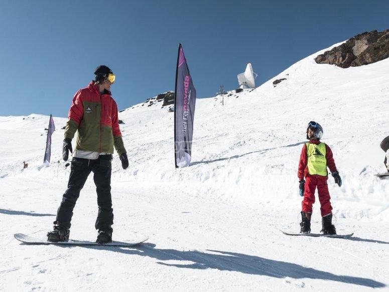内华达山脉的自定义滑雪板课程